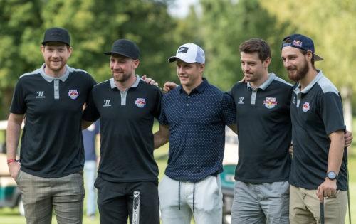 Die Eishockey-Cracks der RED BULLS München auf den Spuren von Woods