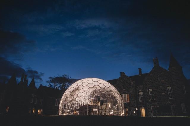 Schottland: Dining Domes am Golfplatz